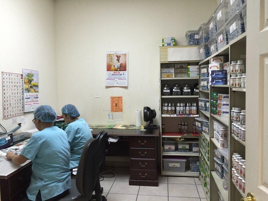 Hình ảnh Nhà thuốc Hoa Đà tại Houston, Texas, Mỹ